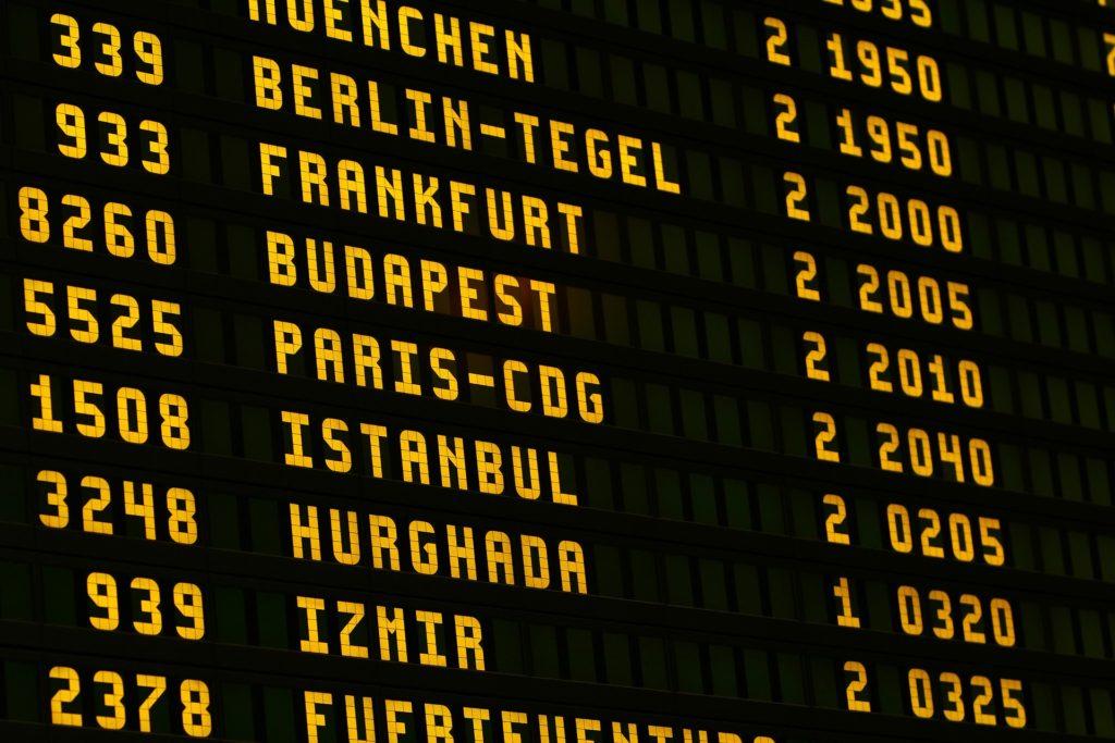 párizs bejutás a reptérről